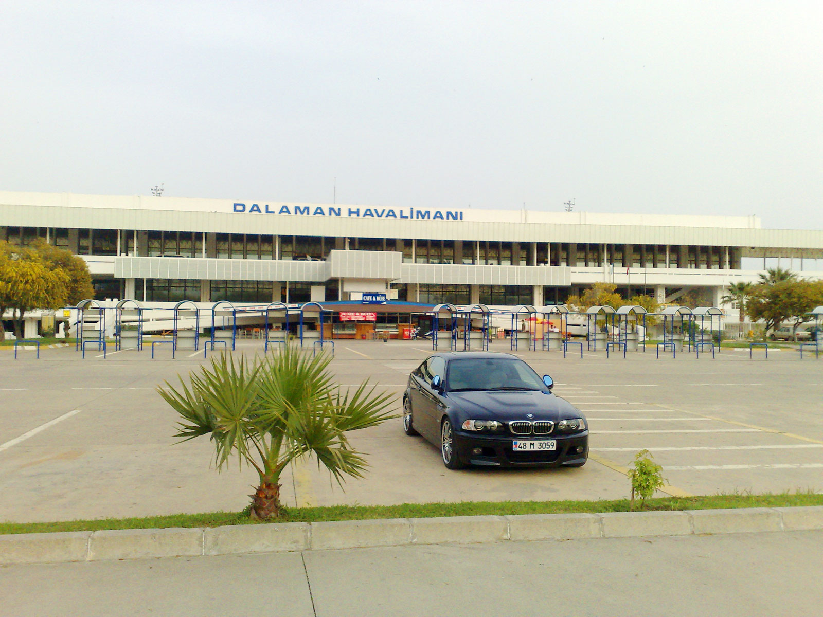 dalamanairport03outside