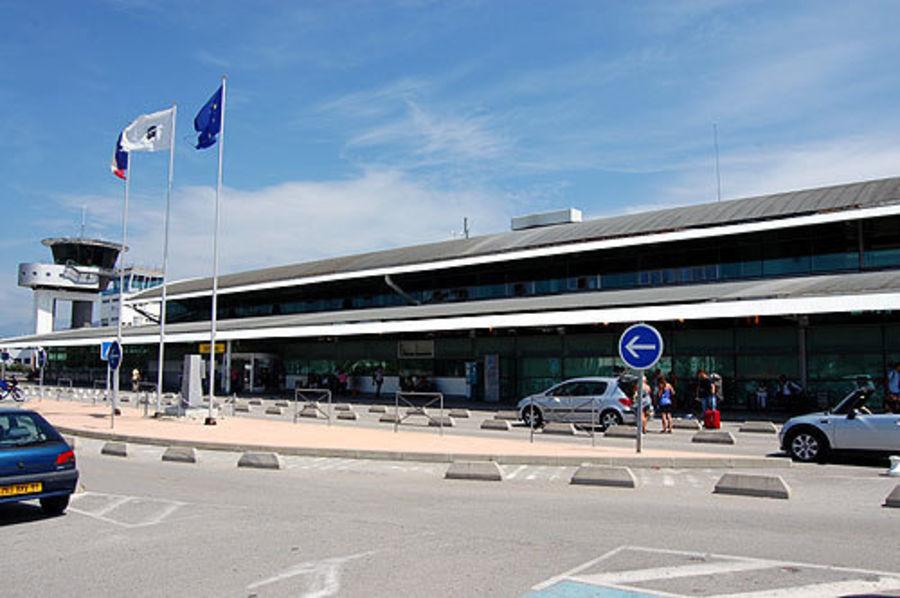 Аэропорт Аяччо