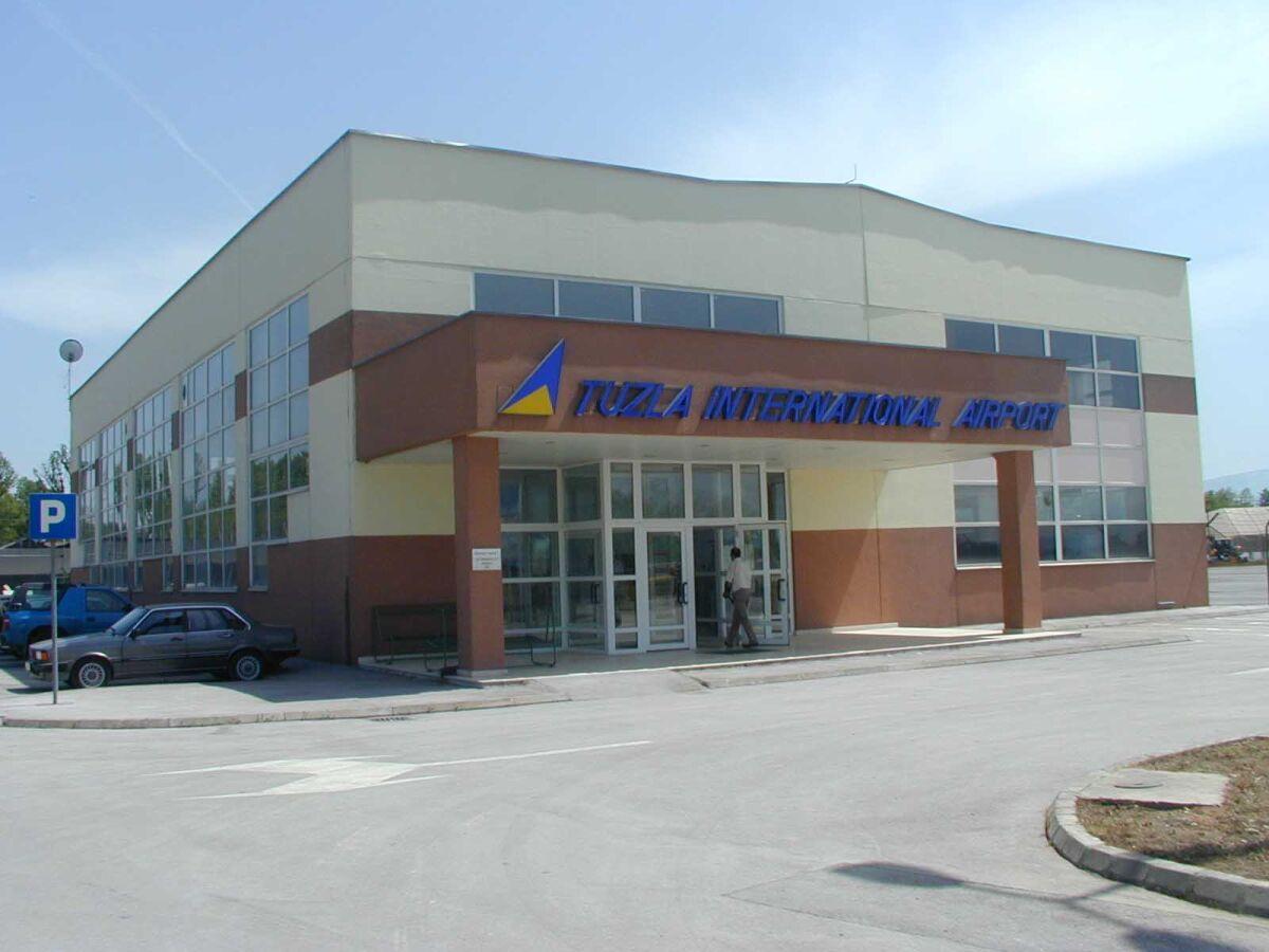аэропорт Тузла