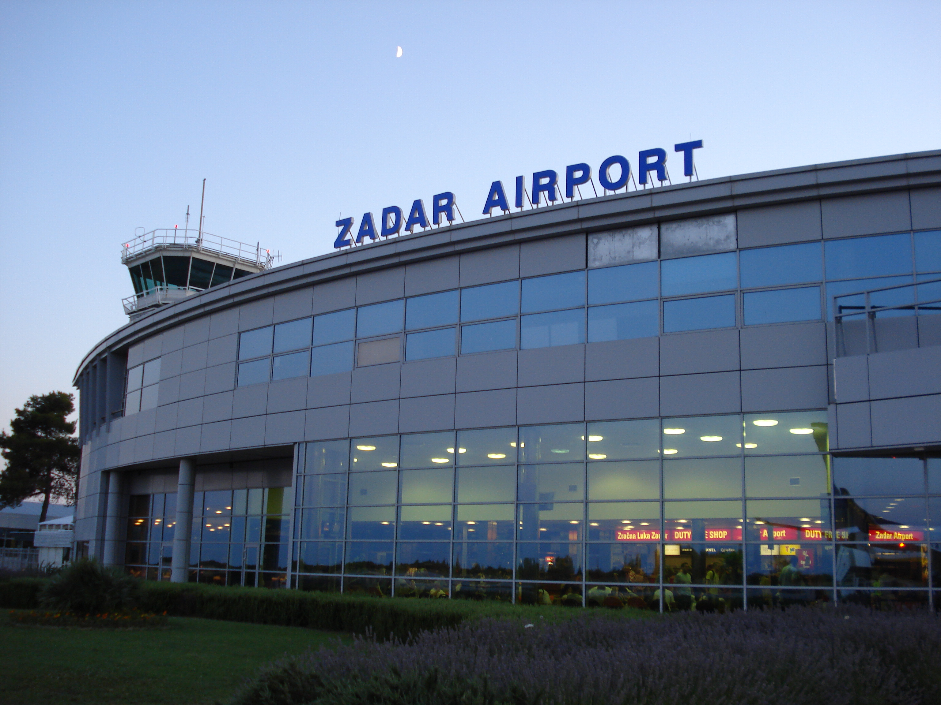 zadar_airport_terminal_croatia