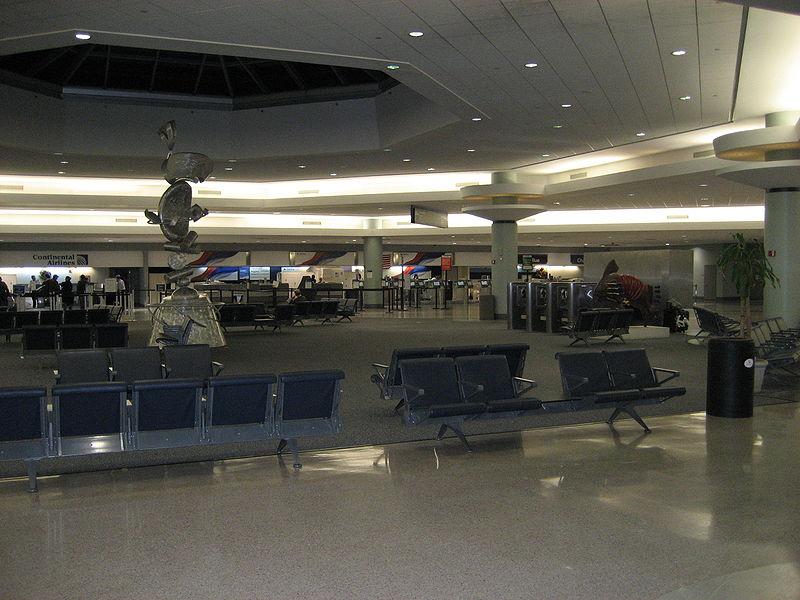 аэропорт Луи